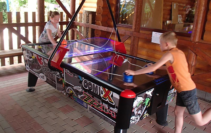 Professional airhockey table