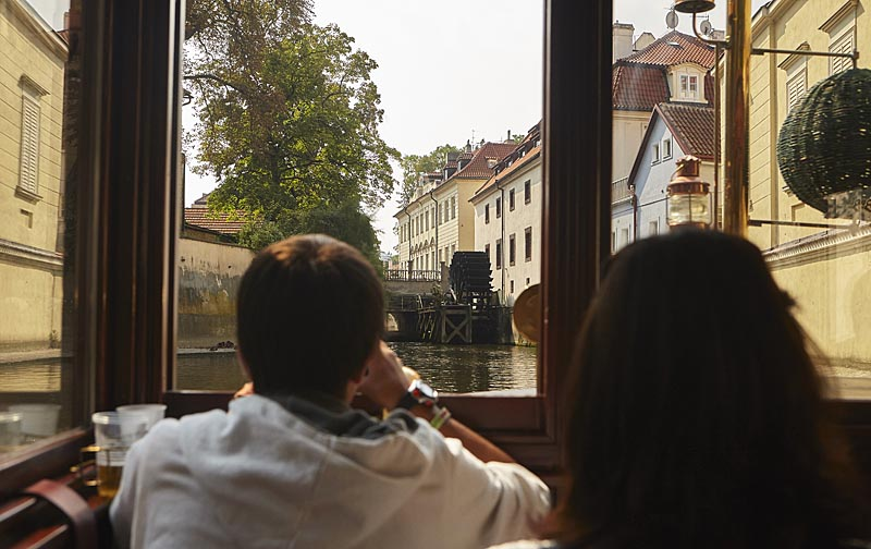 Visit the picturesque corners of Prague on the boat