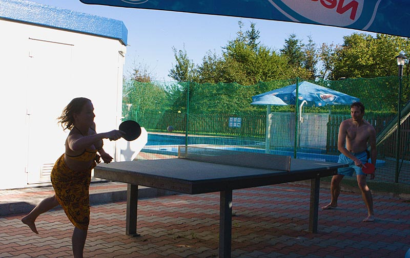 Table tennis at the swimming pool