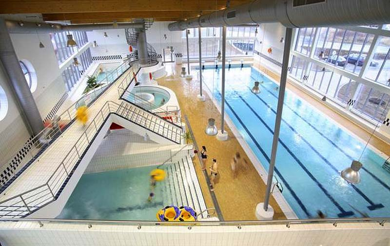 24 - Aquadream Barrandov - indoor swimming pool with a large paddling pool (18 km)