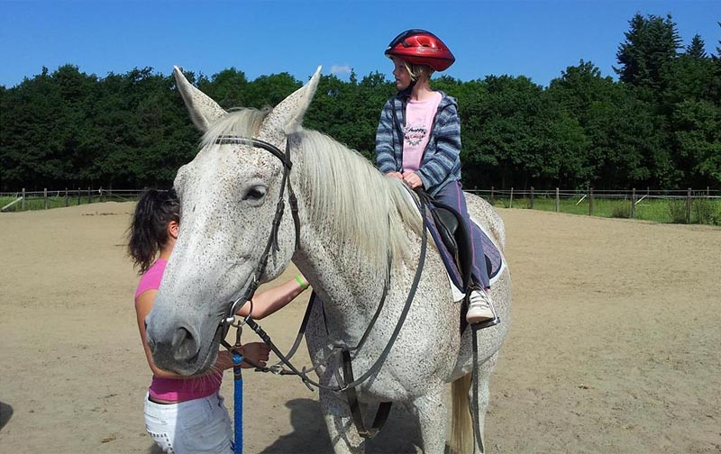 26 - Horseback riding - horse led for children, trail rides in the countryside (8 km)